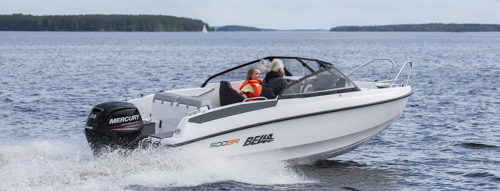 Bella boat cruising at full speed.